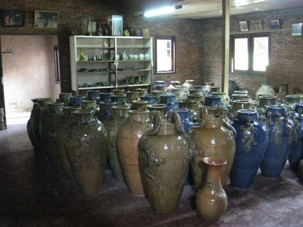 Keramik siap jual (dok. Diana Suciawati/dtraveller)