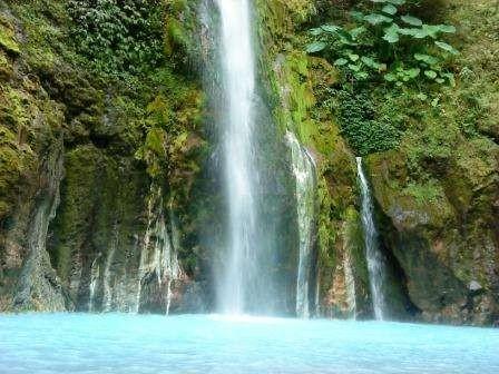 Air terjun dua warna di SUmatera Utara yang cantik (Deena Purba/dtraveler)