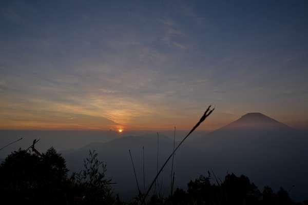 Sunrise di Dieng Plateau (Niken Andriani/ ACI)