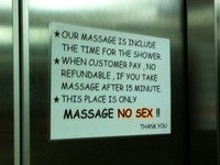Tanda peringatan No Sex sekitar tempat pijat (Ichsan/detikHot)