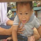 Priyanda Faqih Saadi, lahir 11 Maret 2011, putra dari Keluarga Hendri Kriswanto di Cilacap. Berat Badan 9,7 kg dan Tinggi Badan 73 cm. 'Pertama kali main ke pantai teluk penyu cilacap, pas mau dipotret.....baaaaa....gtu?!!'