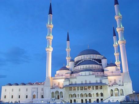 Ini Dia Masjid Paling Besar dan Megah di Turki