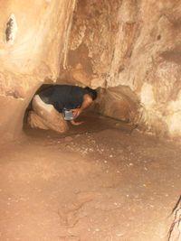 Ada sungai bawah tanah yang jernih