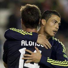 Busquets: Ronaldo Sangat Kuat, Xabi Pemimpin Tim
