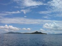 lihaga diantara pulau-pulau sekelilingnya