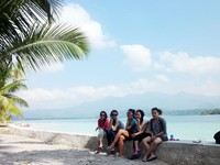 Bersantai di Pulau Balak