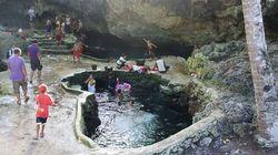 Wakatobi, Pulau-pulau yang Bertabur Gua Sumber Air Tawar