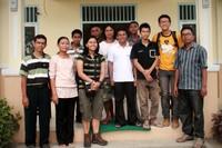 Kami berfoto bersama kakak-kakak pembina di Asrama Penjunan yang berasal dari penjuru Indonesia