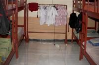 Ruang kamar di Asrama Penjunan, rapi dan teratur