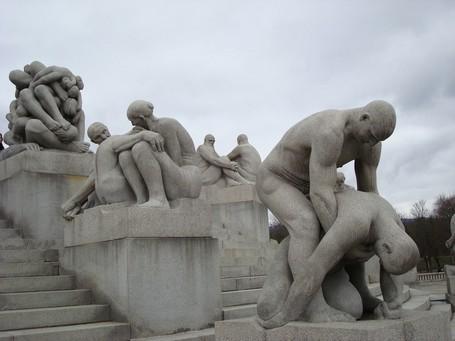 Patung Paling Porno & Erotis Ada di 7 Tempat Ini