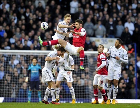 Spurs Tundukkan Arsenal 2-1