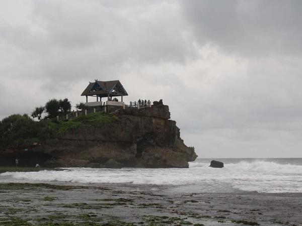 Saat Keindahan Tanah Lot Hadir di Yogyakarta