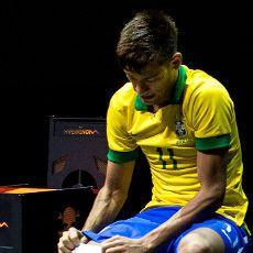 Ronaldinho: Barca Bakal Jadikan Neymar Pemain Terbaik Dunia