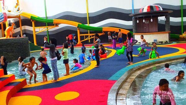 Sirkus Waterplay Indoor Waterpark Bertema Sirkus Di Bekasi 9