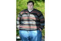 Gillet mengatakan ia sangat kecanduan minuman bersoda dan kue. Setiap hari ia bisa mengonsumsi 7.000 kalori, hampir 3 kali lipat dari jumlah harian kalori yang direkomendasikan untuk pria. (Foto: Wales News Service)