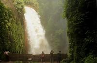 Air Terjun Blawan yang hanya bisa dinikmati dari samping