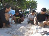 Wow, Pasir Pantai Tanjung Bira Sehalus Tepung Terigu