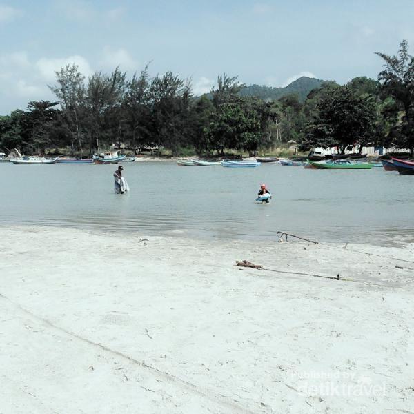 Pantai Rebo dan Cerita Masyarakat Laskar Pelangi