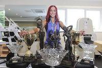 Latihan membentuk otot ekstra ketat dan memenuhi asupan nutrisinya dengan baik, tahun ini MacGill berhasil memenangkan kompetisi Miss England, Miss UK and Miss Universe kategori binaraga dari National Amateur Bodybuilders' Association (NABBA). (Foto: Cavendish Press/Daily Mail)
