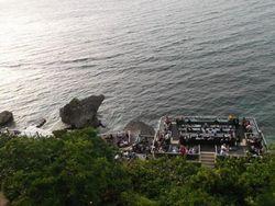 Liburan ke Bali, Santai Dulu di Rock Bar