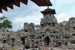 Cuma di Cirebon, Ada Istana yang Terbuat dari Karang!