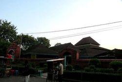 Masjid di Cirebon Ini Konon Dibangun Dalam Semalam
