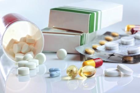 6 Obat-obatan Penting untuk Dibawa Saat Naik Gunung