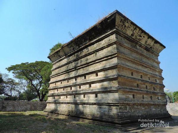 Bangunan Makam Siti Fatimah Binti Maimun
