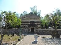 Kabarnya bangunan kuno ini dibangun oleh jin Islam