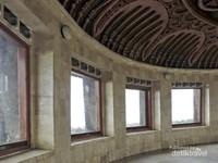 Ruang peninjauan di lantai paling atas