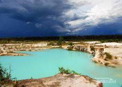 Danau Biru yang Bikin Kesengsem di Singkawang