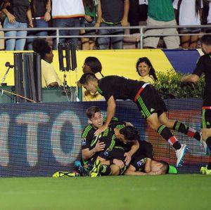Meksiko Kalahkan AS 3-2 untuk Rebut Tiket Piala Konfederasi 2017