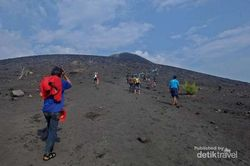 Memacu Adrenalin di Gunung Anak Krakatau