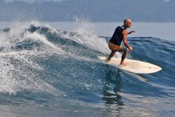 Tak Kalah Dari Bali, Lampung Punya Spot Surfing kelas Dunia