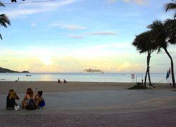 Begini Suasana Pagi di Pantai Phuket, Thailand