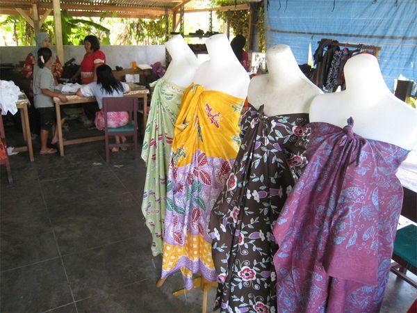 Harga kain batik produksi Belitung Timur ini dijual dengan harga ...