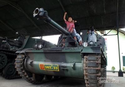 Asyik juga Jalan-jalan di Pusdik Armed, Cimahi