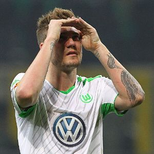 Bendtner, Sebuah Ekperimen Tak Sukses Wolfsburg