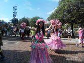 Nonton Parade Disneyland di Hong Kong, Seru!