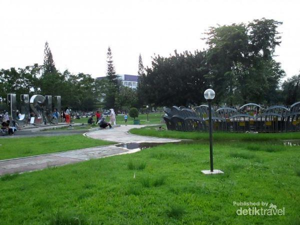 Serunya Main Dan Kasih Makan Rusa Di Taman Kampus USU