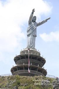 Melihat Patung Yesus Raksasa di Tana Toraja