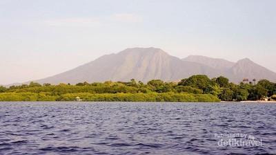 Snorkeling di Taman Nasional Baluran, Bisa Banget!