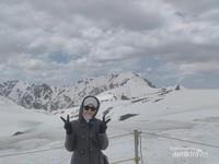 Indahnya Gunung Salju Abadi di Jepang