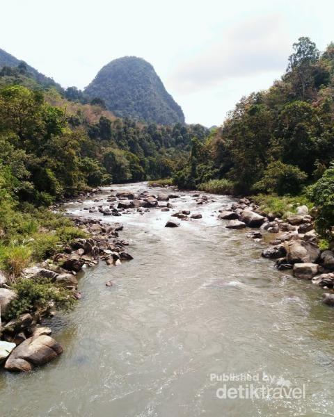 Pesona Bukit Kambe Dan Sungai Sinamar Di Tanah Datar Yang Menawan