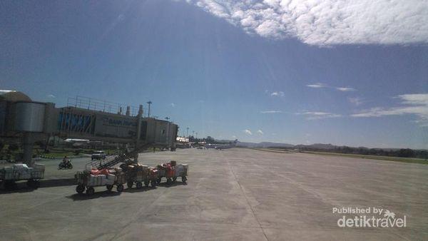 Pemandangan Menakjubkan Sekitar Bandara Sentai Di Papua