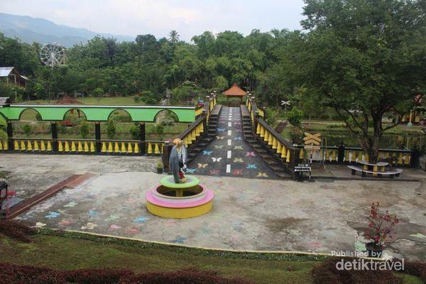 Wisata Sambil Edukasi Di Taman Rusa, Aceh Besar