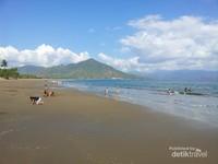 Pantai ini sangat ramah terhadap anak - anak. Sangat dianjurkan membawa keluarga ketika berkunjung ke tempat ini. Pantai ini sangat bagus dijadikan pariwisata berkelas dunia. Kiranya tetap lestari sepanjang masa