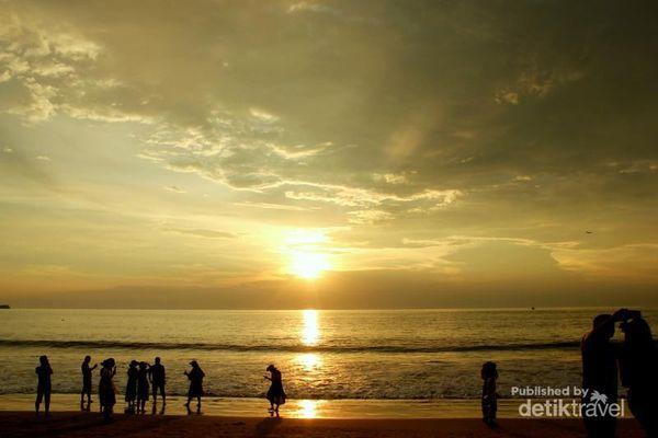 Tergoda Sunset Cantik Di Jimbaran