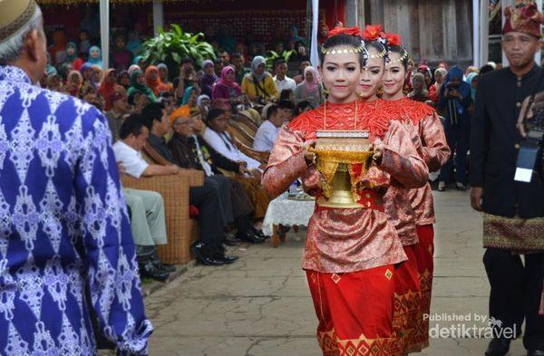 Meriah! Haul Pahlawan Raden Inten II Di Lampung Selatan