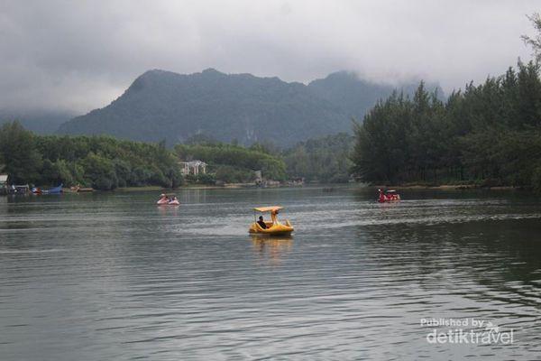 Menikmati Damainya Sungai Krueng Raba Di Aceh Besar